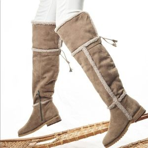 Frye beige Tamara shearling Over The Knee Boots